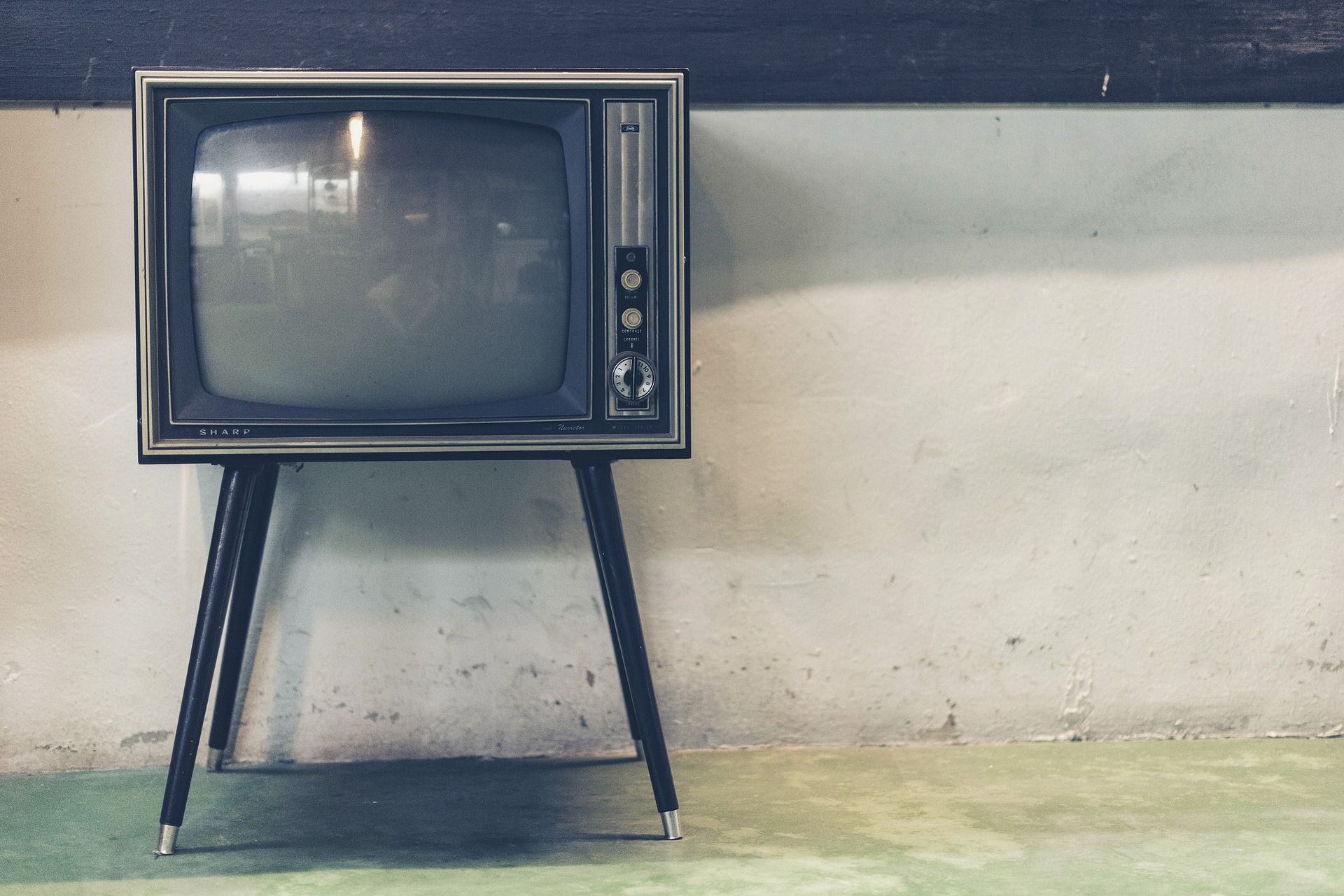 tv-1844964_1920